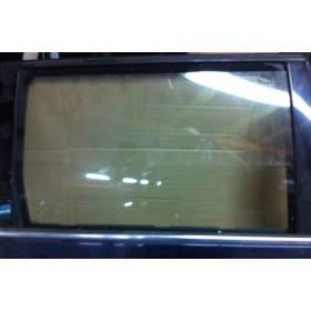Vitre glace de porte arrière passager pour VW Passat Break ref 3B9845026 coloris vert