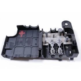 Répartiteur de potentiel / Boite à fusibles / Porte-fusible ref 8K0937517A