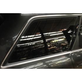 Vitre custode glace de porte arrière passager pour Audi A6 break ref 4B9845300BE / 4B9845300BEMKR