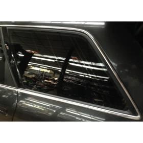 Vitre custode glace de porte arrière conducteur pour Audi A6 break ref 4B9845299BE / 4B9845299BEMKR