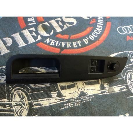 Poignée intérieure avec bouton de lève-vitre modèle 3 portes pour VW Golf 5 ref 1K3868049B / 1K3868049C