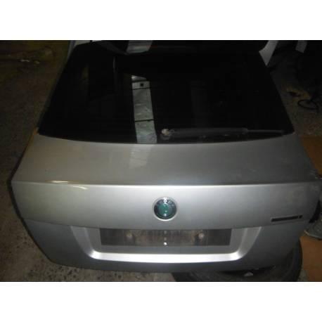 Malle coffre arrière coloris gris clair LF7T pour Skoda Octavia 1Z ref 1Z5827023E