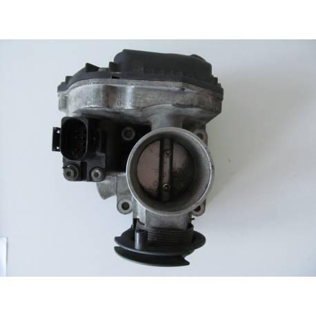 Boitier papillon pour VW Polo / Lupo 1L4 ref 036133064D