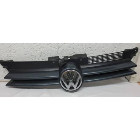 Calandre pour VW Golf 4 coloris gris LC7V ref 1J0853653C + emblême VW ref 1J0853601 FDY chrome
