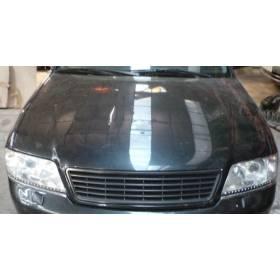 Capot moteur abimé pour Audi A6 coloris noir LZ9U ref 4B1823029B