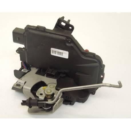 Serrure de centralisation arrière conducteur pour Audi A4 ref 8E0839015C