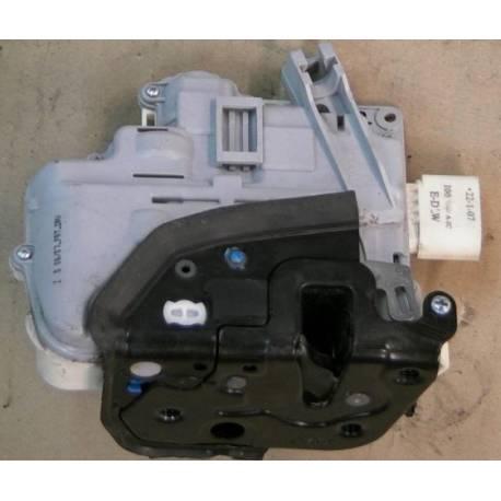 Serrure module de centralisation avant conducteur pour Audi A3 / A6 / A8 ref 4F1837015E