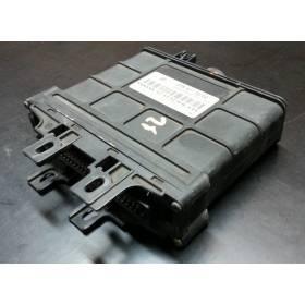 Calculateur électronique pour boite de vitesses automatique VW Golf 4 ref 01M927733EQ / 01M927733HF / 5DG007921-03