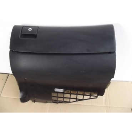 Boite à gants coloris noir pour Audi A4 B5 ref 8D1857035D