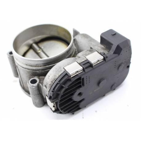 Boitier ajustage / Unité de commande du papillon pour Audi S4 / A6 / R8 / A8 V6 2L7 ref 078133062 / 078133062C / 079133062C