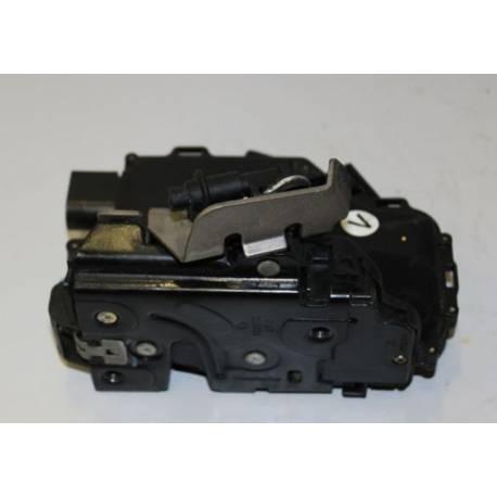 Serrure de centralisation avec contacteur de porte avant coté conducteur ref 401837015 pour Audi A4 / A6