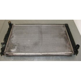 Radiateur refroidisseur d'eau pour Audi A4 / A6 / VW Passat / Skoda Superb 2L5 V6 TDI ref 8D0121251N