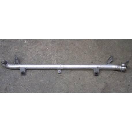 Durite / Tuyau de pression pour Audi A6 4F V6 TDI ref 4F0145732B