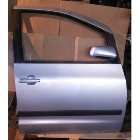 Porte avant droite passager modèle 5 portes pour Seat Leon 2 coloris noir LC9Z ref 1P0831056 / 1P0831056A