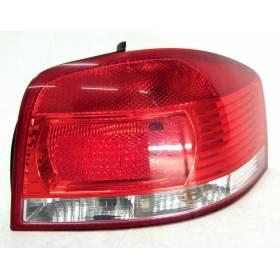 Feu arrière droit pour Audi A3 8P ref 8P0945096