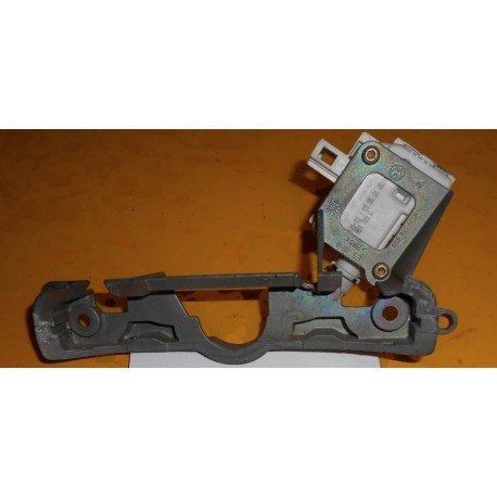 Servo-motor + retention plate for VW Polo 9N ref 7L6959781 / 6Q6827601F