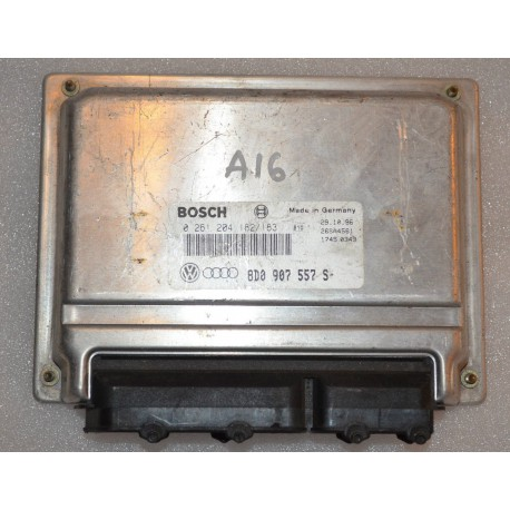 Calculateur moteur pour Audi A4 1L8 essence ref 8D0907557S / Ecu ref 0261204182 / 183