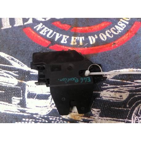Serrure de capot arrière / Serrure de coffre pour BMW E46 ref 8 196 401 / 8196401