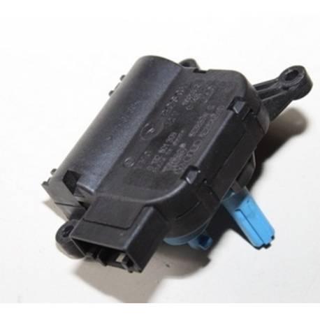 Servomoteur de volet de régulation de température Audi A4 / Seat Exeo ref 8E2820511D / 8E2820511J / V113 bleu / Valeo 6663835W