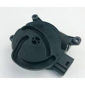Servomoteur de volet de régulation de température Audi A4 / Seat Exeo ref 8E2820511C / 8E2820511H / V70 noir / Valeo 663828U