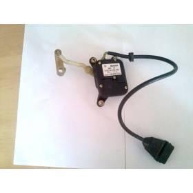 Servomoteur de régulation de la temperature côté conducteur pour Audi A6 ref 443820511A / 0132801003