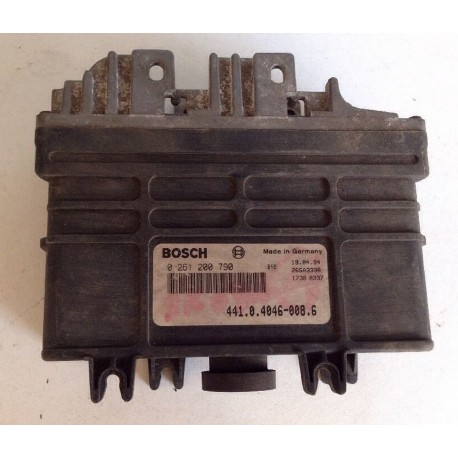 Calculateur moteur pour SKODA FAVORIT 1L3 essence de 1993 à 1995 ref 0261200790 / 441040460086