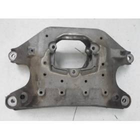 Support de boite traverse pour Audi A4 / A5 / Q5 boite mécanique ref 8K0399263AF