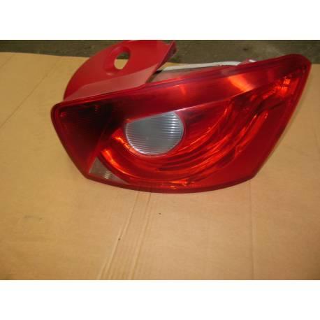 Feu arrière côté passager pour Seat Ibiza ref 6J4945096C / 6J4945096G / 6J4945096H
