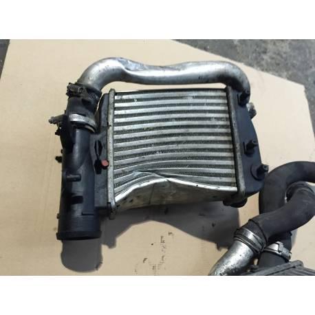 Radiateur d'air de suralimentation abimé / Intercooler turbo pour Audi A6 4F ref 4F0145806E / 4F0145806AA