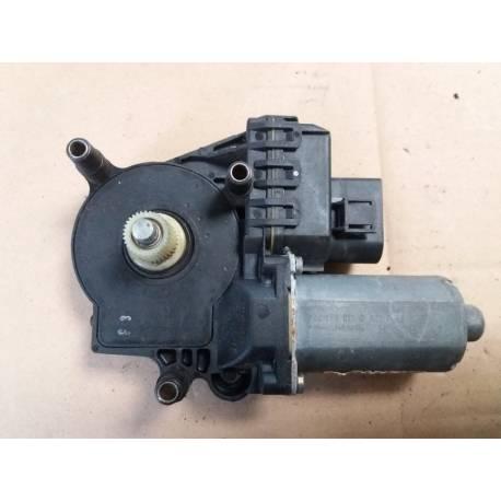 Motor of back window winder left for Audi A6 ref 4B0959801B / 4B0959801D