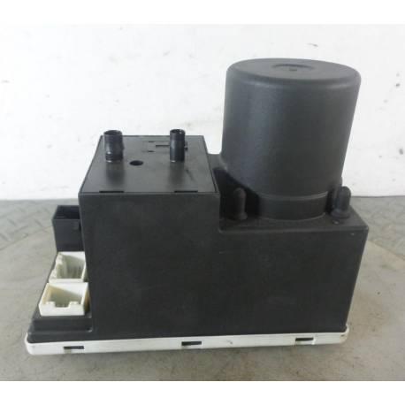 Compresseur de centralisation / Pompe avec appareil de commande Audi A4 ref 8D0862257E / 8DO862257E