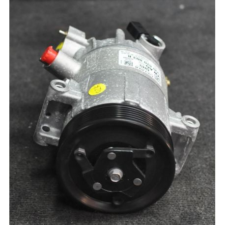 Compressor of air conditioning ref  5Q0820803B / 5Q0820803D