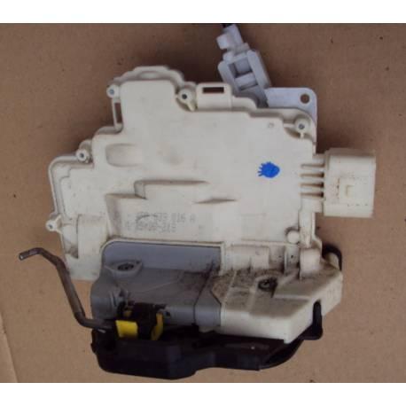 Serrure module de centralisation arrière passager pour Audi A6 4F ref 4F0839016A