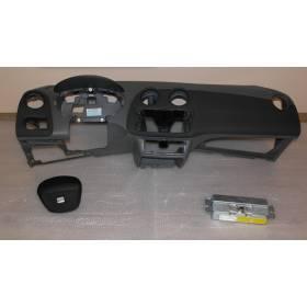 Planche de bord complète avec airbags et pour Seat Ibiza 6J ref 6J1857003D / 6J0880201A / 6J0880204