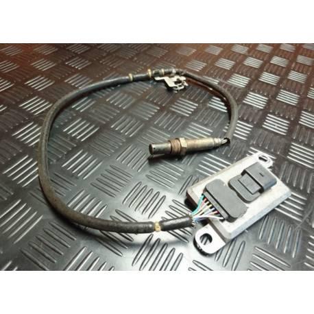 Calculateur avec capteur nox pour controleur des gaz d'echappement ref 06F907807D / 06F907807F