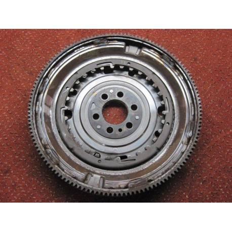 Volant moteur pour VW / Seat / Skoda 1.4 TSI boite auto ref 03C105266E / 03C105266J