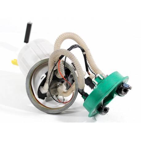 Pompe à carburant avec accumulateur sans tuyaux pour Audi A4 2L5 V6 TDI ref 8D0906087AQ / 8D0201319B
