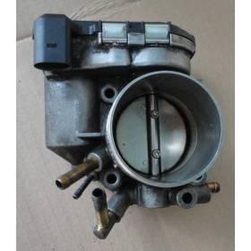 Boitier ajustage / Unité de commande du papillon Audi / VW ref 06B133062H