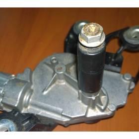 Moteur d'essuie-glace arrière abimé VW Golf 5 / Golf Plus / Passat ref 1K6955711B / 1K6955711C