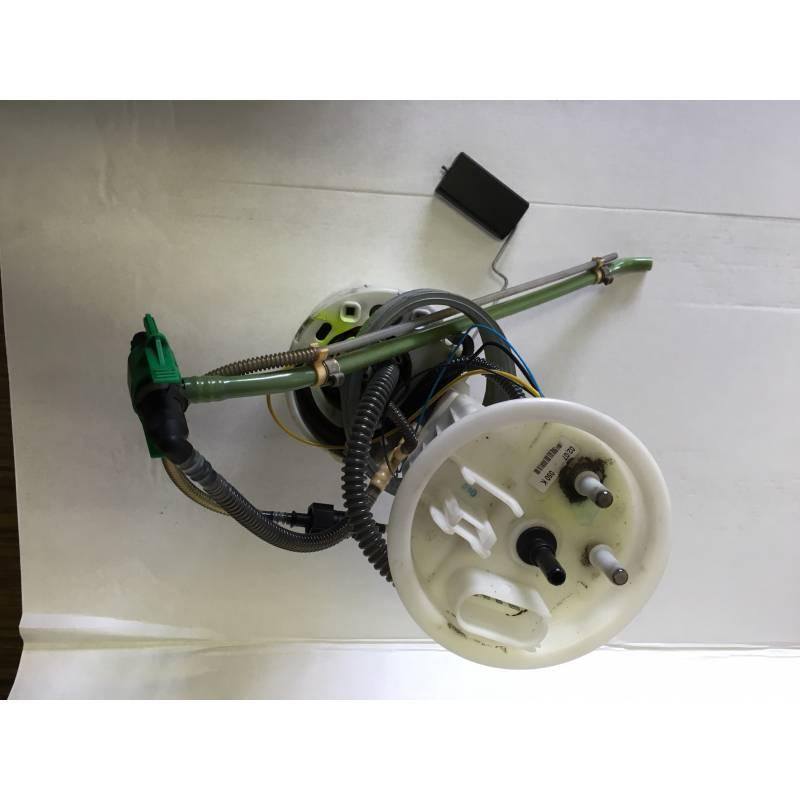 pompe carburant unit d 39 alimentation pour audi a4 seat exeo diesel ref 8e0919050d 8e0919050k. Black Bedroom Furniture Sets. Home Design Ideas