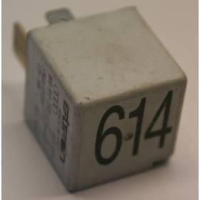 Jeu de 3 relais N° 395 / 404 ref 8Z0951253 / 7M0951253C / N° 395 / 404 ref 8Z0951253 / 7M0951253C / N° 457 / N° 614 / 100