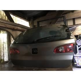 Malle arrière hayon / coffre coloris gris avec un coup abimé pour Seat Ibiza 6L