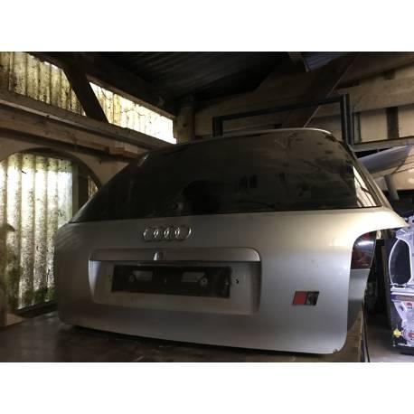 Malle arrière hayon / coffre coloris gris clair pour Audi S4 B5