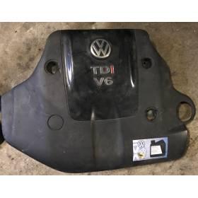 Cache-moteur fissuré pour tubulure d'admission pour VW Passat 2L5 V6 TDI ref 059103925 / 059103925A / 059103925C
