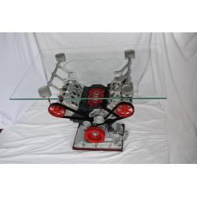 Table moteur Audi faite maison, gravure Audi