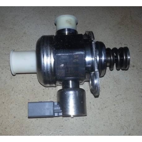 Pompe à carburant pour 1L6 TDI 90/105 cv ref 06H127025N