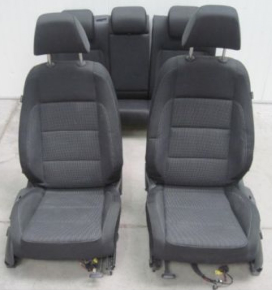 Int rieur complet pour vw golf 5 en 5 portes for Interieur golf 5