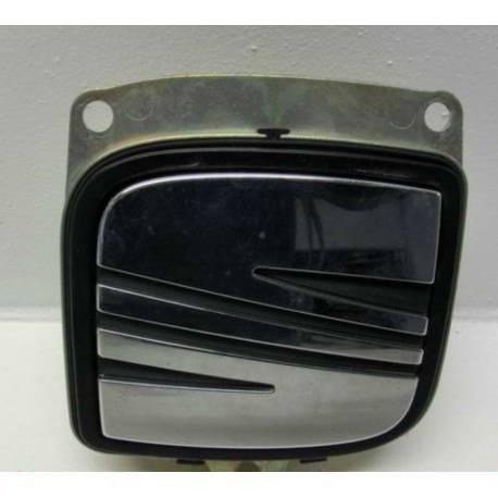 Poignée de coffre pour Seat Altea ref 5P0827565 / 5P0827565A / 5P0827565B / 5P0827565C / 5P0827565D