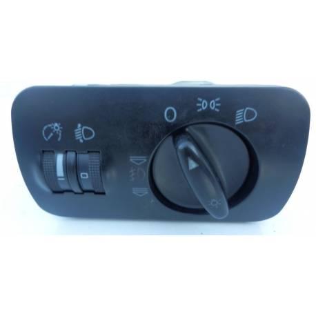 Commodo d'allumage des feux avec anti-brouillard ref 8L1941531G / 8L1941531J