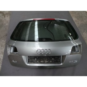 Malle coffre arrière pour Audi A6 type 4F ref 4F9827023M